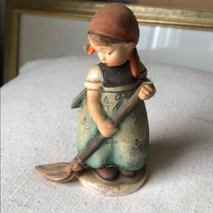 1950s Hummel figurine in excellent condition